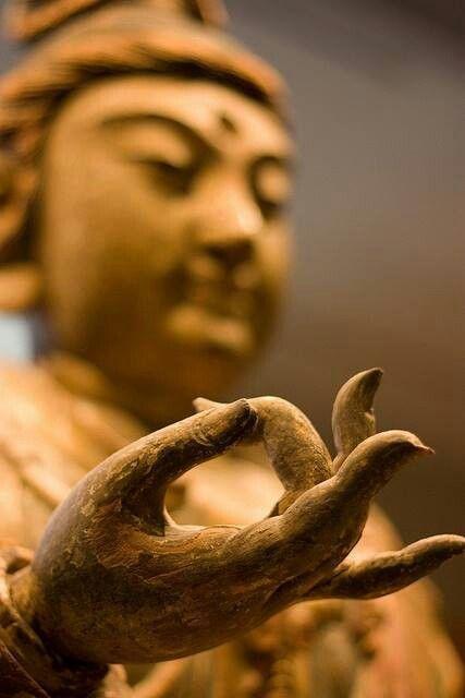 7 сакральных буддистских мудр, которые непонятно как, но решают все проблемы