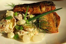 V kuchyni vždy otevřeno ...: Bramborový salát s cibulkami a pečenou makrelou