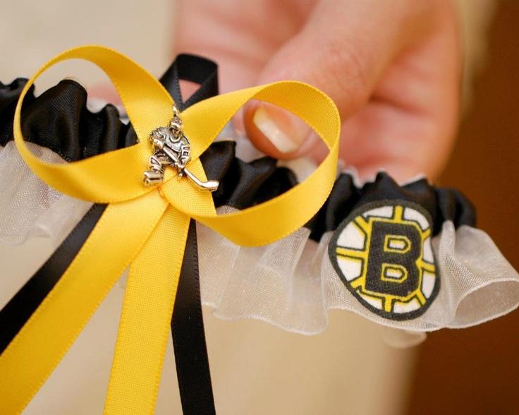 My Bruin's garter - LOVE IT!: Wedding Baby Things, Sports Theme, Redw Garter, Kayla Williams, Boston Sports, John Deer, Engagement Shower, Bruins Garter, Big Bad