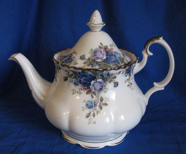 Royal Albert Blue Moonlight Rose