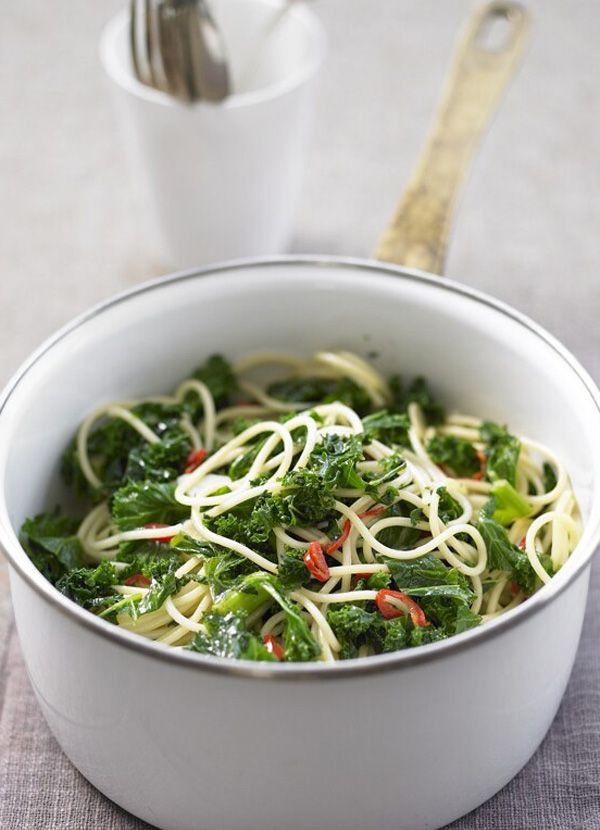 Pasta with kale, garlic and chilli