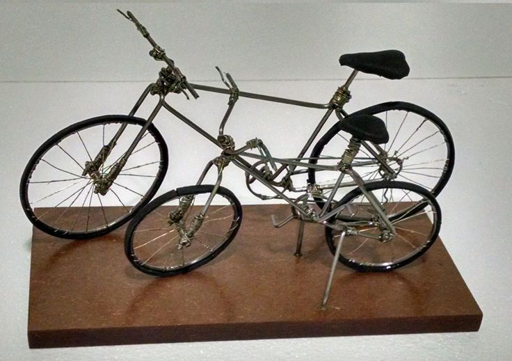 Bike - Pai e Filho sempre juntos... Mais uma bela peça feita com reaproveitamento de arames...