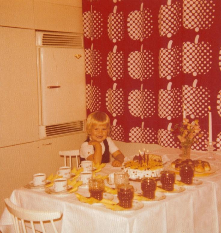 seriously...those drapes Satu spend 4 birthday 09.17.1974 Punahilkantiellä Roihuvuori.   Photo: Lissu Well Lehto 9.11.  2007 20:03