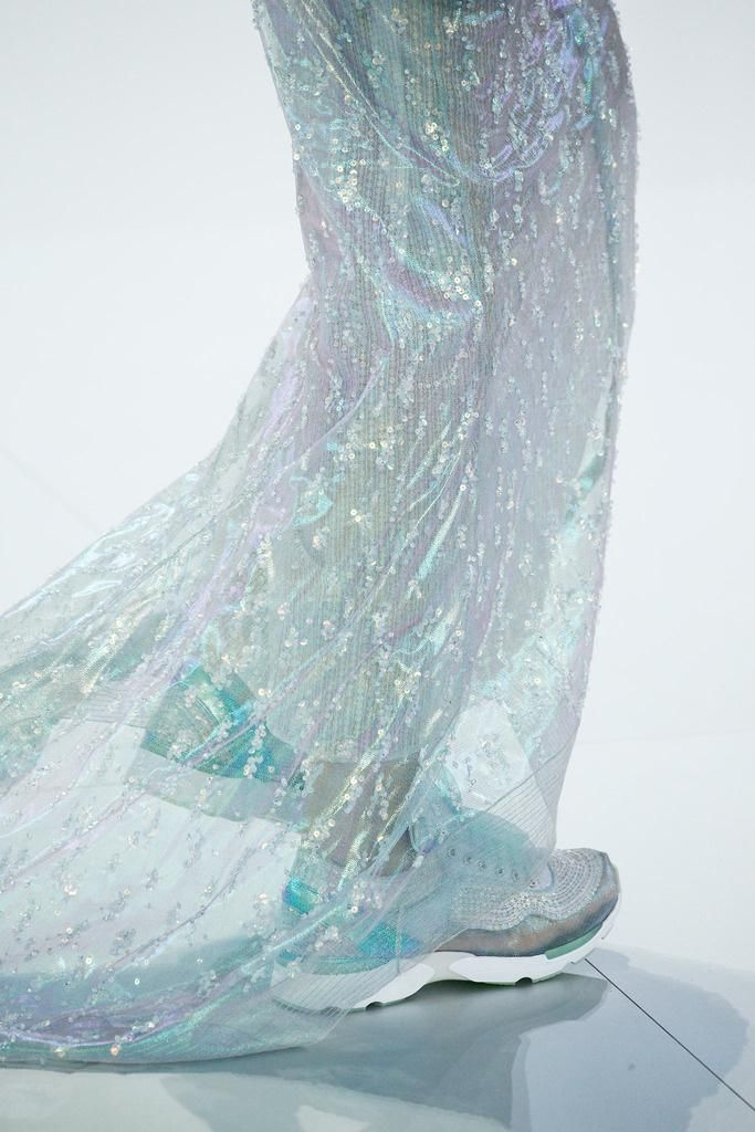 Chanel couture http://www.nomad-chic.com/search/index.html?term=iridescence
