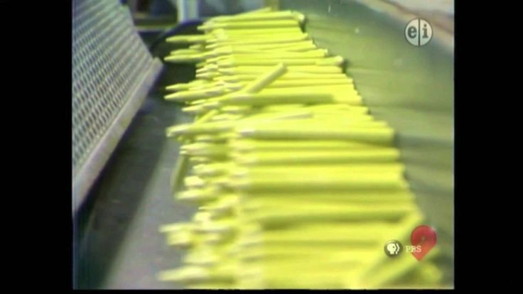 Mr Rogers Shows How to Make Crayons ~ I have NEVER forgotten watching this as a kid!  Makes me nostalgic seeing it again...  And like I need to go sniff some crayons. ha