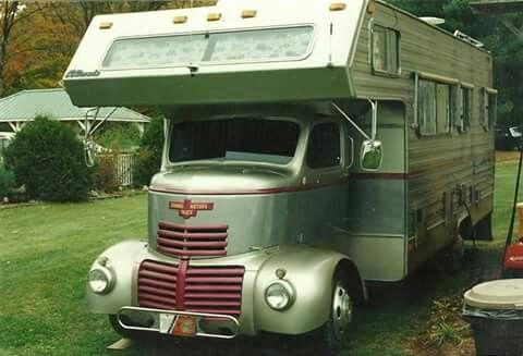 les 25 meilleures id es de la cat gorie camping car americain sur pinterest attelage camping. Black Bedroom Furniture Sets. Home Design Ideas