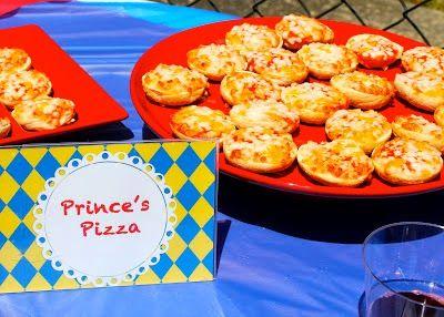 Snow White Food Ideas , Prince's Pizza, Snow White Party, Princess Party, Birthday Party, Snow White
