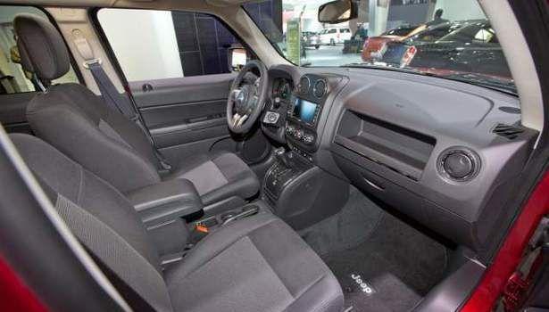 2017 Jeep Patriot - interior