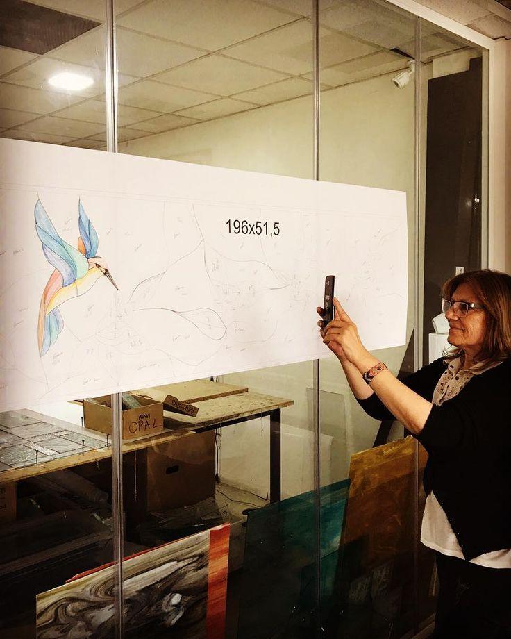 Ari kuşu çizim aşamasi.. Tiffany vitray.. #wwwizmirvitraycomtr #atölyeizmirvitray #değerkatar #alsancak #keyplaza #izmir #vitray #tiffany #tiffanyvitray #staniedglass #mimarlik #mimari http://turkrazzi.com/ipost/1518795816956741250/?code=BUT2L-kDkaC