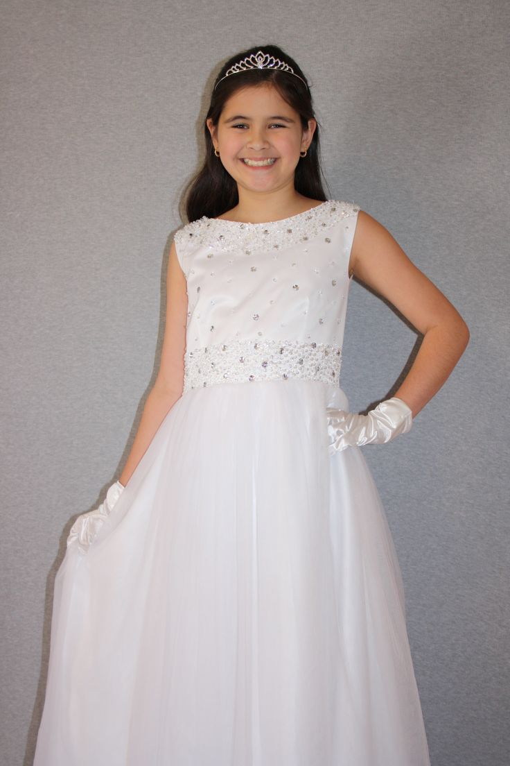 First Communion/Flower Girl Dresses from Silk n Satin Communion Dresses. https://silknsatincommuniondresses.com.au/product/sparkly-princess/