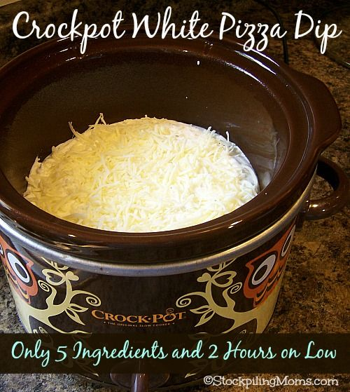 Crockpot White Pizza Dip is amazing! Only 5 Ingredients and cooks up in 2 hours! This is the perfect tailgating or party food!! #crockpot #appetizer