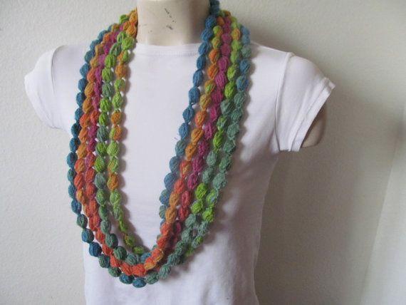 Collana della sciarpa bolla arcobaleno Maglia di zahraknitting