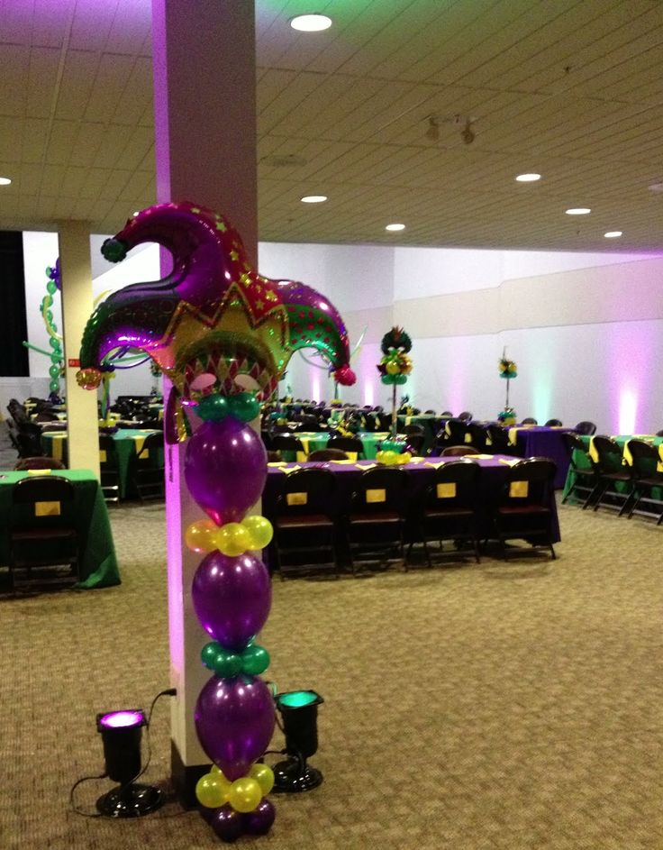 Mardi gras table decorations celebration company for Balloon decoration companies