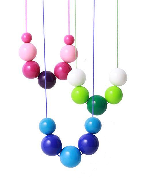 De store akrylperler findes i flere farver og størrelser