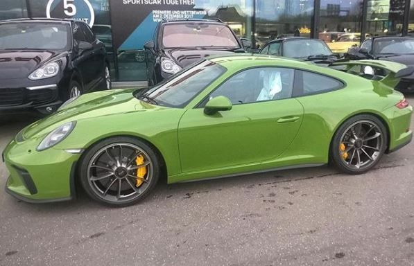 Olive Green 2018 Porsche 911 GT3