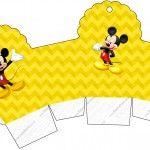 Continuando a atualizar os kits mais antigos e que não tem os novos moldes, vejam que lindo o NOVO e super completo kit do Mickey Mouse para você realizar a sua festa com o tema! Esse Kit tem tudo para você fazer sua festasozinha, com várias molduras, imagens, convites e rótulos, você pode imprimir emMore