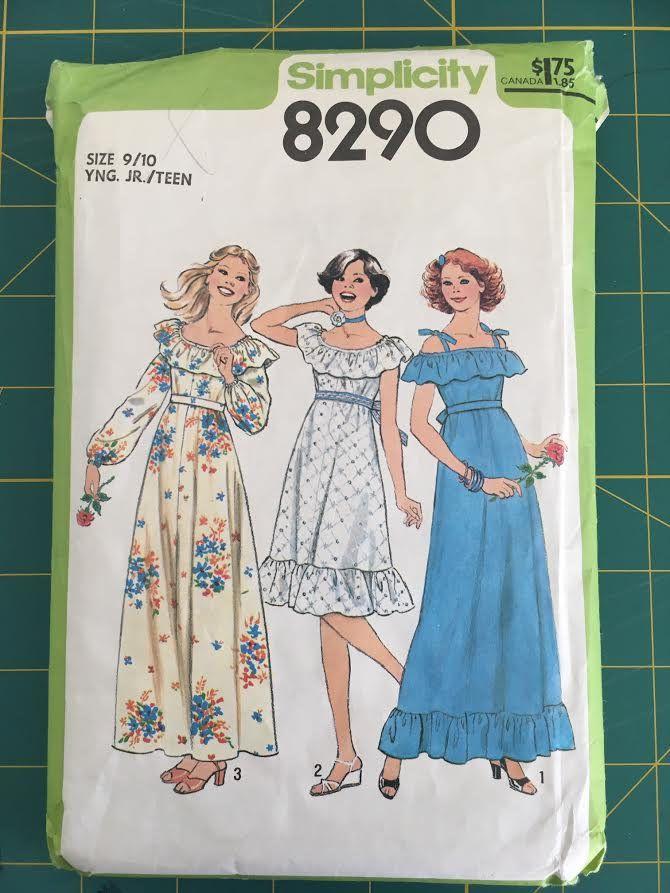 1977 printed Simplicity sewing vintage dress pattern Dress pattern in 3 styles. Vintage simplicity pattern