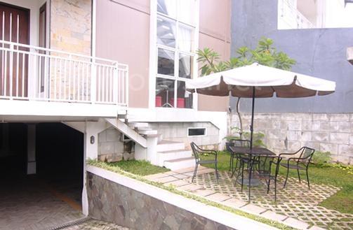 Golden Mansion terrace