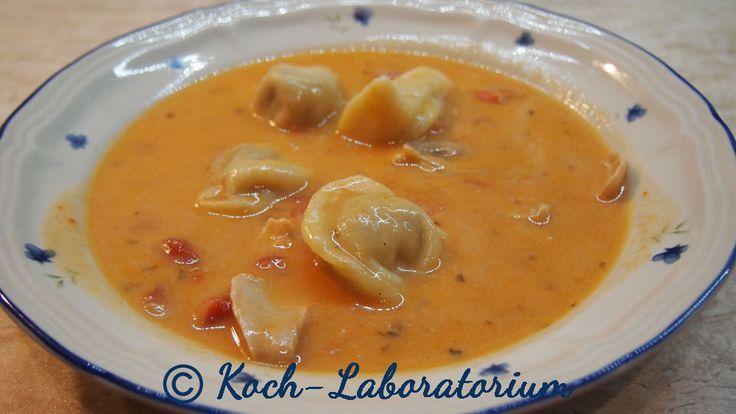 Cremige Tortellini-Tomatensuppe mit Huhn aus dem Crock-Pot :http://koch-laboratorium.de/cremige-tortellini-tomatensuppe-mit-huhn-aus-dem-crock-pot/