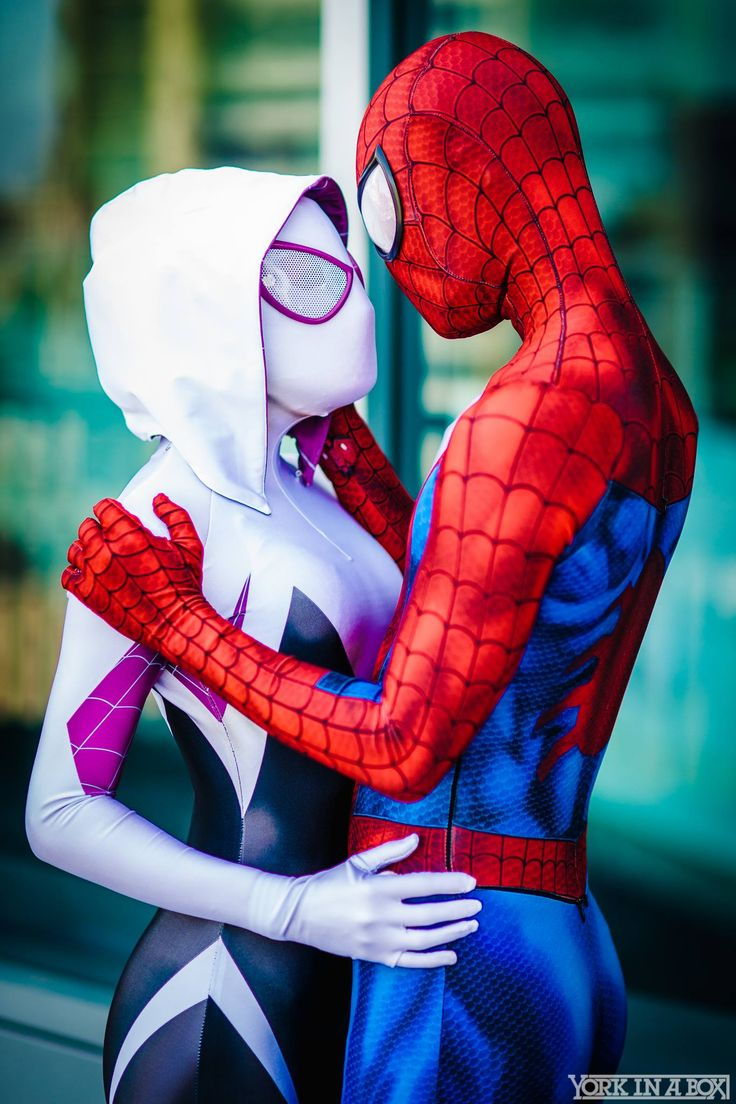Spider-man and Spider-gwen by Maid of Might Cosplay #WonderCon 2015 #YorkInABox