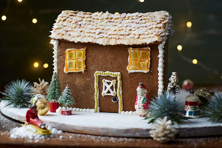 Learn how to make a traditional gingerbread house this Christmas with Jamie Oliver's handy step by step guide and create your very own masterpiece.