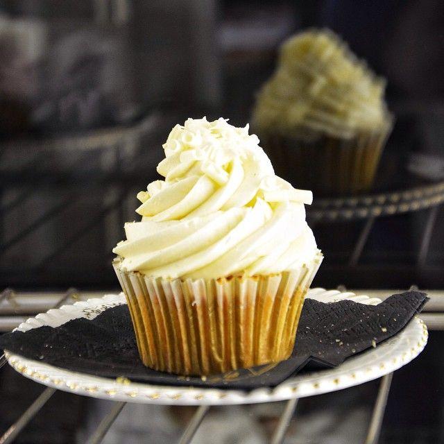 """Το πιο γευστικό """"φάντασμα""""! Συνδυασμος βανίλιας, λευκής σοκολάτας & πραλίνας βουτύρου!"""