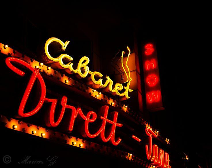 #Berlin #Cabaret #Durett #Germany #nightphotography #neon #neonsigns #show #photography