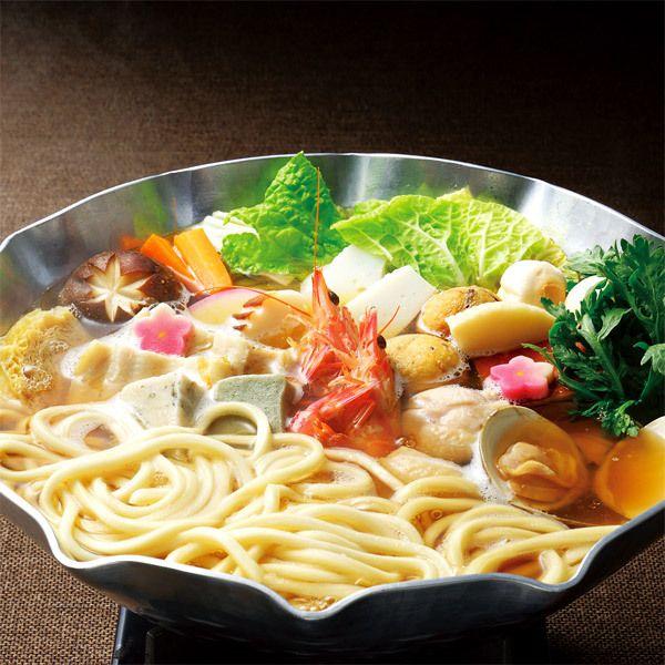〈権太呂〉の看板料理の風味をそのままに。【京風うどんすき権太呂鍋】