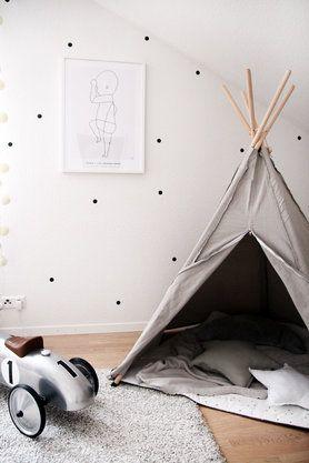 Ein Hippie Tipi fürs Kinderzimmer #solebich #einrichtung #interior #kinderzimmer #kidsroom #tipi #indianer #kissen #pillows Foto: barbara_ewa