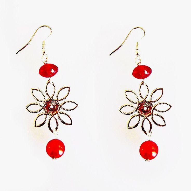 Náušnice Korálky Janka červené ketlované s květinou