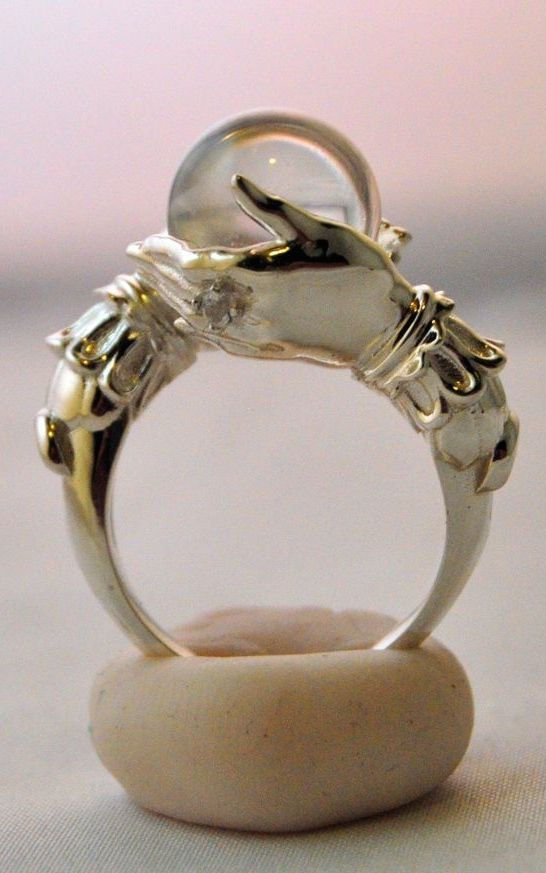 ☆ The Oracle.。Sterling Ring and Clear Quartz Sphereゝ。By Artist Keri Newton