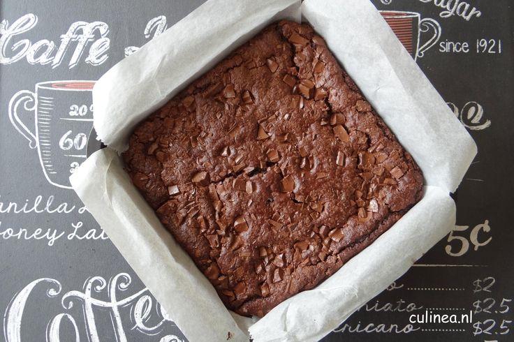 Brownies gemaakt van zwarte bonen. De eerste keer dat ik een recept voorbij zag komen van brownies gemaakt van zwarte bonen dacht ik gatver niet lekker.