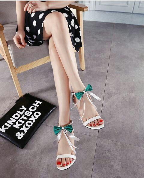 $17.5 Green Cut Out Sandals! #peeptoes #highheels #onlineshop #oli_oddie