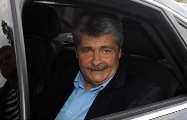 Tribunalul Bucuresti l-a condamnat luni pe Sorin Ovidiu Vîntu la sase ani si două luni de închisoare în dosarul Petromservice