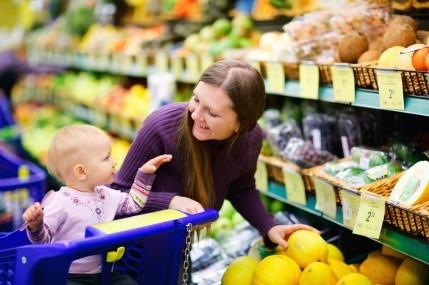 Los jugos de fruta son deliciosos y muy naturales. Prueba hacer uno de naranja y frutilla. ¡A tu bebé le encantará!  Recuerda que siempre debes consultar al pediatra antes de incorporar un nuevo alimento a la dieta de tu bebé.