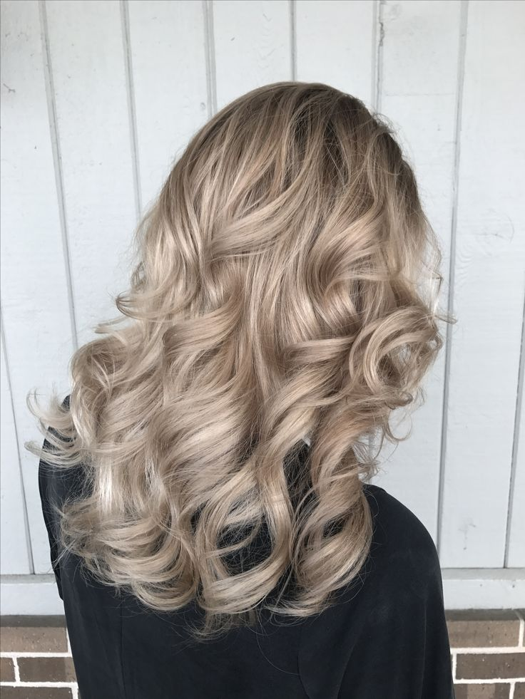 Short Hairstyles Dyed Champagne Beige Blonde Balayage With Images Beige
