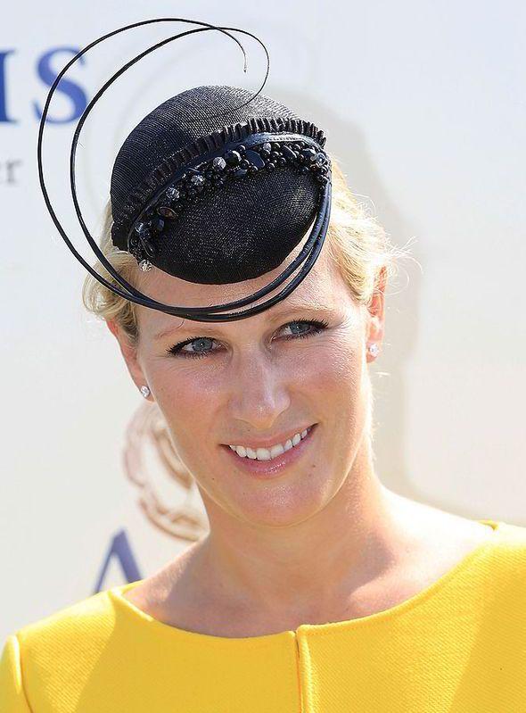 Zara Phillips, maternity wardrobe, goodwood, yellow dress, baby bump, pregnancy, pregnant, duchess of cambridge, kate middleton