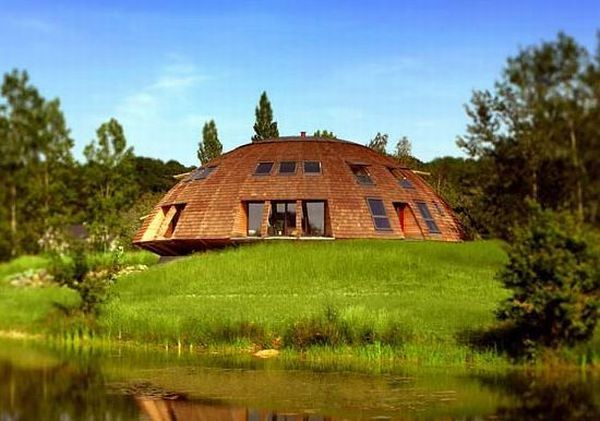 Sustainably crafted geodesic dome houses