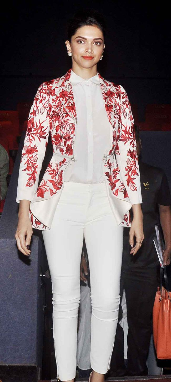 Deepika Padukone on Day 2 of the 16th Mumbai Film Festival. #Bollywood #Fashion…
