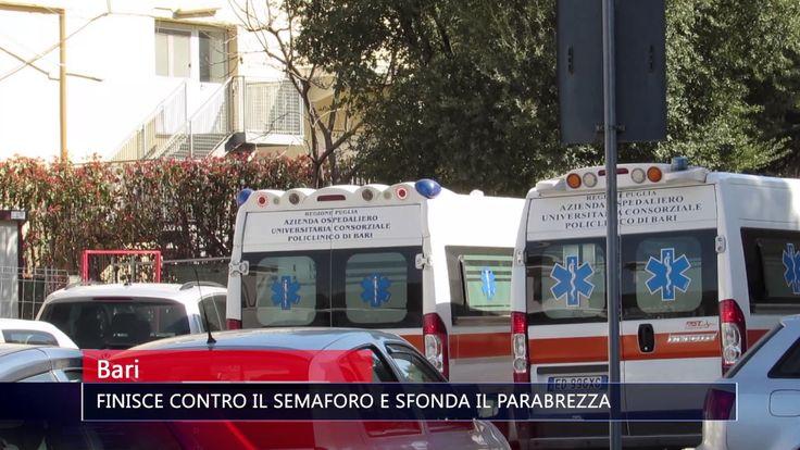 BARI FINISCE CONTRO IL SEMAFORO E SFONDA IL PARABREZZA   TG TELE APPULA 211