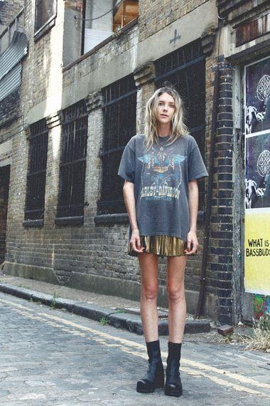 grunge style #wewantsale #grunge #streetstyle http://www.wewantsale.nl/ #harleydavidsonboots