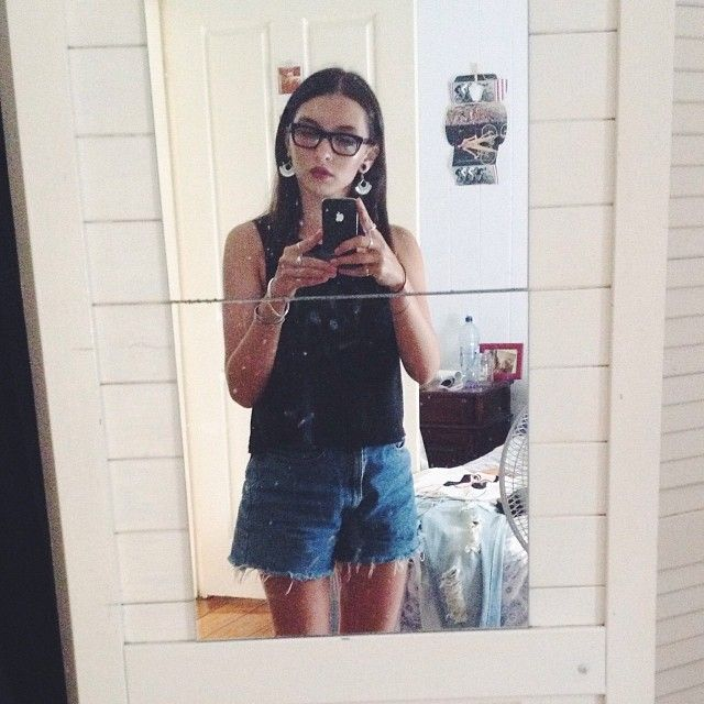 Coffee date with my housemates and spent the rest of the day reading, wearing Agent Ninety Nine black singlet, denim high waisted shorts, black flatforms (not shown), Kit plum lippy, new favourite earrings and my 60's reading glasses.