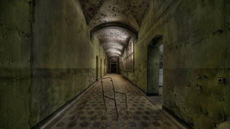 Hospital abandonado de Hitler é de assustar qualquer um   Exame.com