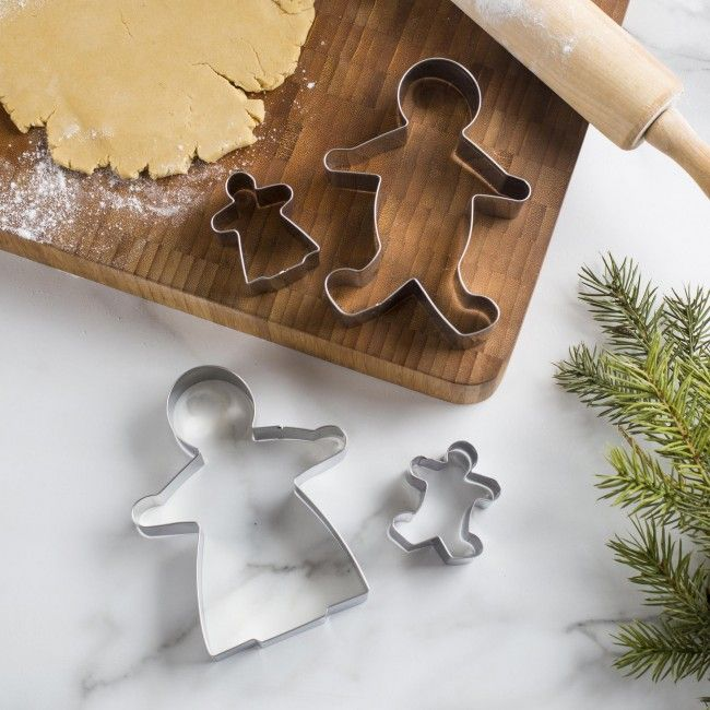 Celebrate the season with some delicious and fun gingerbread cookies. The Fox Run Christmas Cookie Cutter Set comes with 4 stainless steel cutters. The cutters can also be used turn your fruit into festive gingerbread people as well.