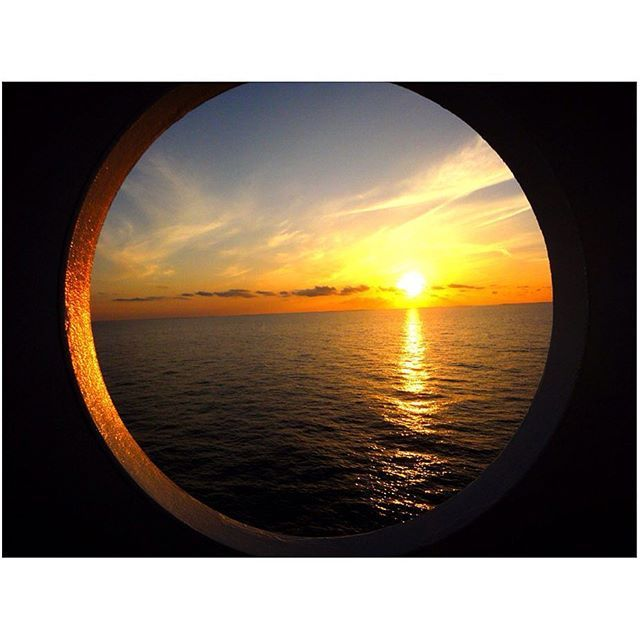【manami.takano.2424】さんのInstagramをピンしています。 《#bahamas#bahamascruise#cruising#island#trip#traveling#cruiser#blueocean#sea #バハマ#諸島#クルーズ#クルージング#豪華客船#旅行#旅#海外生活#海外#青い海#青い空#海#オーシャンブルー #sunset#sunsets#サンセット#夕焼け》