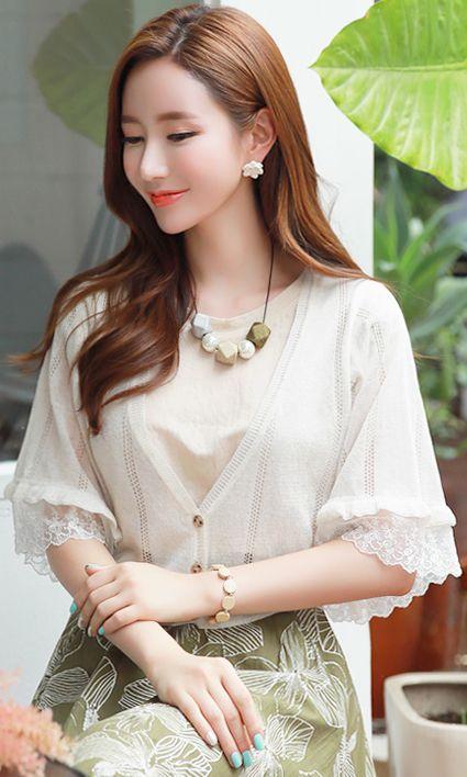 StyleOnme_Lace Sleeve Detail Linen Blend V-Neck Cardigan #lace #feminine #cardigan #summerlook #koreanfashion #kstyle #kfashion #seoul