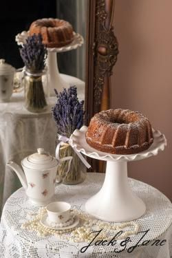 Hullámos mázas kerámia tortatál - WAVE | Jack&Jane tortaállványok