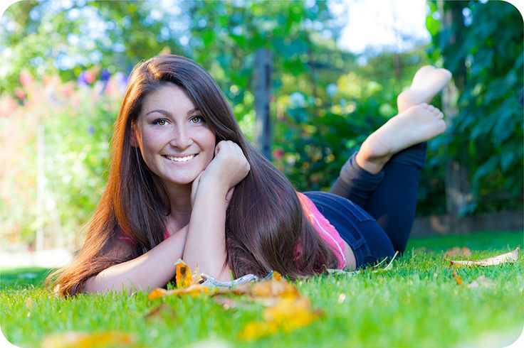 Senior Picture Ideas For Girls | Fall Senior Pictures for Girls in Marysville, 98270