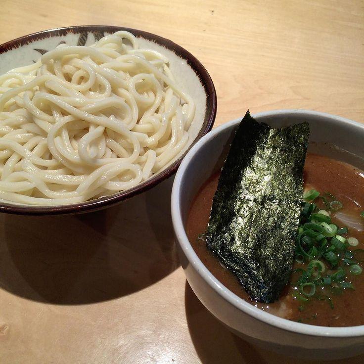 Today's lunch is ramen. ランチは味玉つけ麺大盛り600g 魚介豚骨系のちょっと甘めのスープも美味しかった  #instafood #instagood #kagoshima #lunch #ramen #food #foodporn #foodstagram #ランチ #鹿児島 #つけ麺 #ラーメン #満腹 #バカボンド by takatoshi0622
