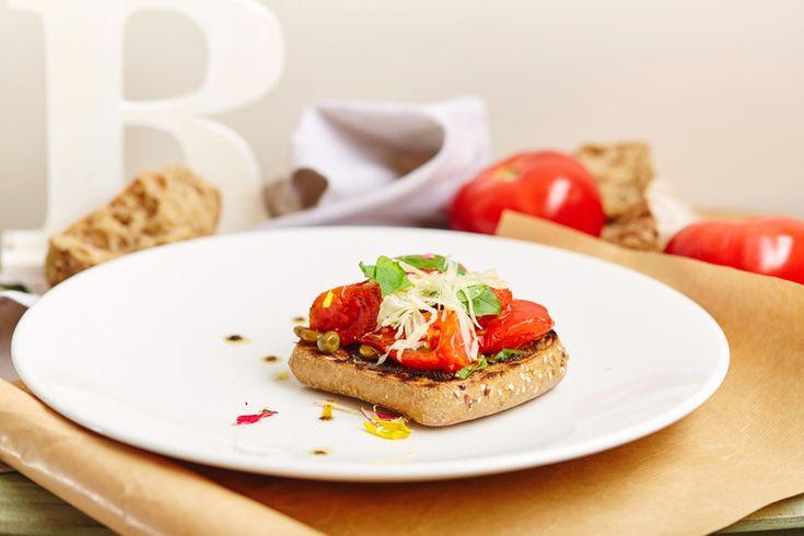 How to Green | Рецепт брускетты с тёплыми томатами для быстрого ужина